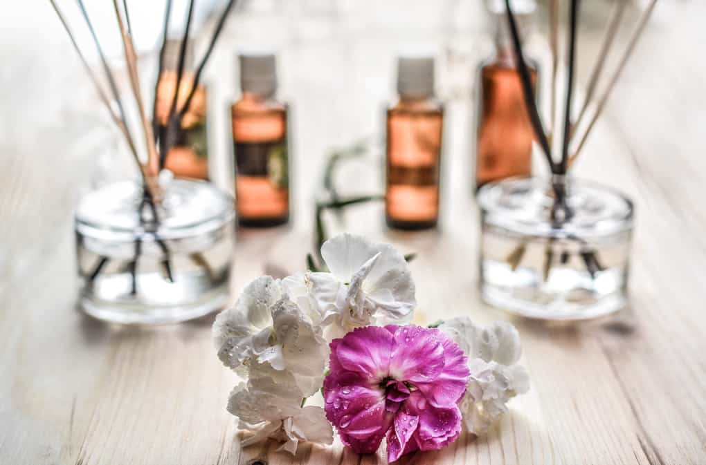 Essential Oils: A Natural Alternative That Promotes Health and Healing